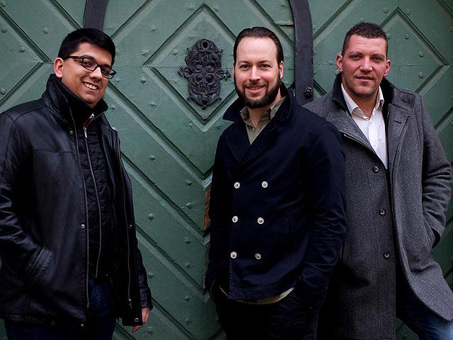 a Trio a'la Kodály zenekar játszik Kodály Zoltánhoz kötődő népzenei műveket jazz feldolgozásban