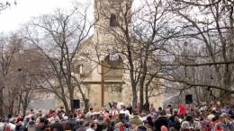 Vannak olyan évek, amikor több százan összegyűlnek a környékről és messzebbről is a hagyományos programra az Árpád-kori  Szent Balázs-templom romjánál