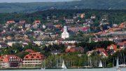 Balatonfüreden tavaly április óta mintegy 12 százalékkal emelkedtek az ingatlanárak - Füredi panoráma a Balatonról - Fotó: Győrffy Árpád