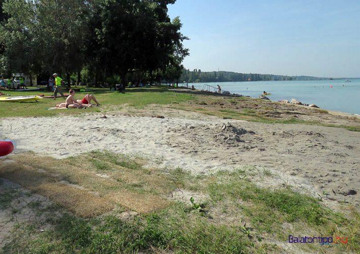 Pazsit-homok-Gumiradli-strand-Balatonakarattya-balatontipp-gyorffya
