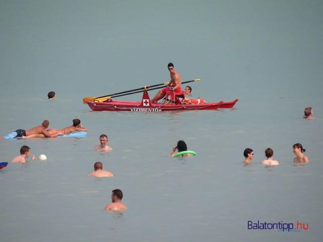 Az úszómester tevékenységét is pontosan szabályozzák