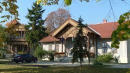Jelenleg a füredi Huray-villában működik az országos marketing feladatokat ellátó Magyar Turizmus Zrt. régiós irodája. Ha az új szervezet létrejön, valószínűleg kicsi lesz a hely