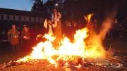 A tihanyiak vidám hangulatban égették el a telet jelképező kiszebábot a Visszhang-dombon