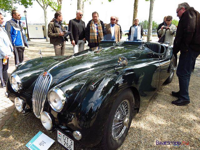 Egy 1956-os Jaguar XK140-es modell a 2014-es kiállítás győztese volt