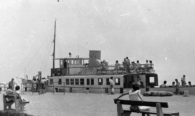 A Kelén már motoroshajóként a füredi kikötőben 1964-ben. A jelek szerint nagyon alacsony volt a Balaton vízszintje - fotó Fortepan.hu