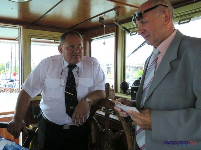 Martin Henrik (balról) és Lucz Endre a Kelén kormányállásában
