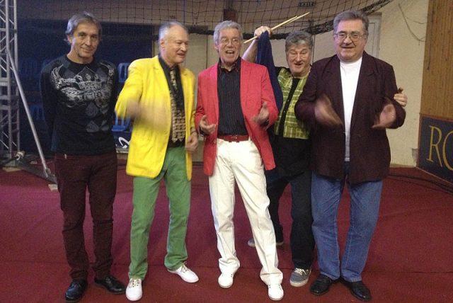 Solymos Tóni és az Express vasárnap este ad ingyenes koncertet a Deák téri nagszínpadon