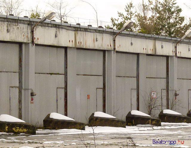 """Ezekben a """"garázsokban"""" állomásoztak egykor a """"rakétaindító-állványok"""""""