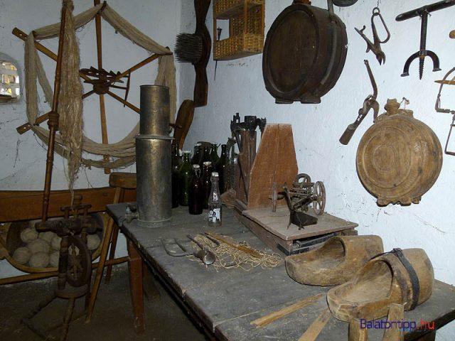 Szerszámok, eszközök a 19. századból és a 20. század első feléből
