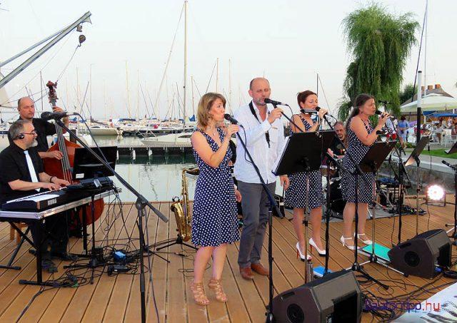 Az avató zárásaként a kikötőben tartották meg a Jazz-móló idei első programját a Swing-swing együttessel