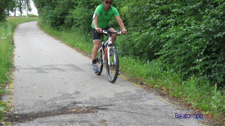 A buckák lemaratása után sokkal biztonságosabb lett a tihanyi bicikliút, de most is érdemes figyelni