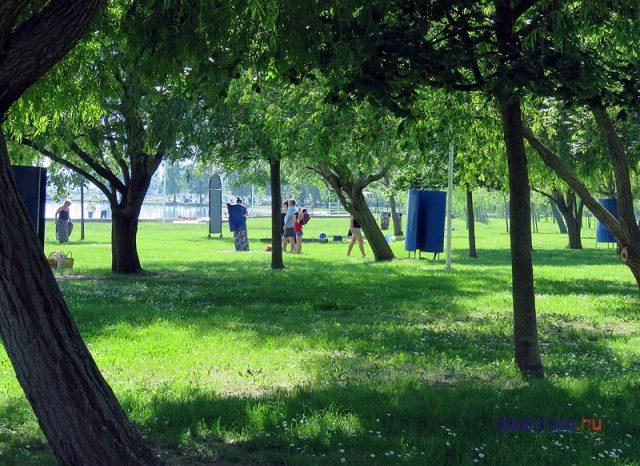Több árnyékot szeretnének biztosítani a strandolóknak