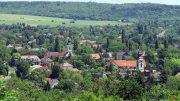 Balatonkenese központja a Soós-hegyi kilátóból