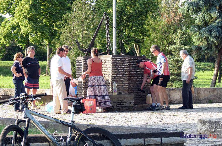 Balatonfüred - Berzsenyi emlékforrás a város nyugati szélén