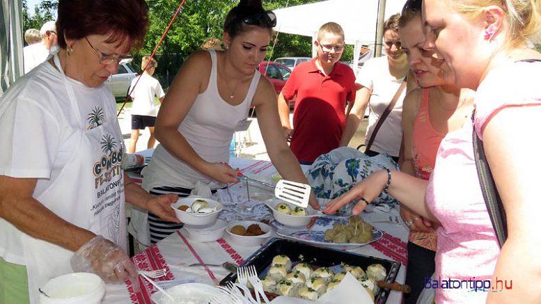 Gomboc-kinalas-Balatonfuzfo-gomboc-aranykapu-fesztival-balatontipp-gyorffya