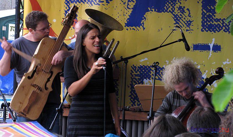 Palya Bea és zenekara visszatérő vendég a Völgyben