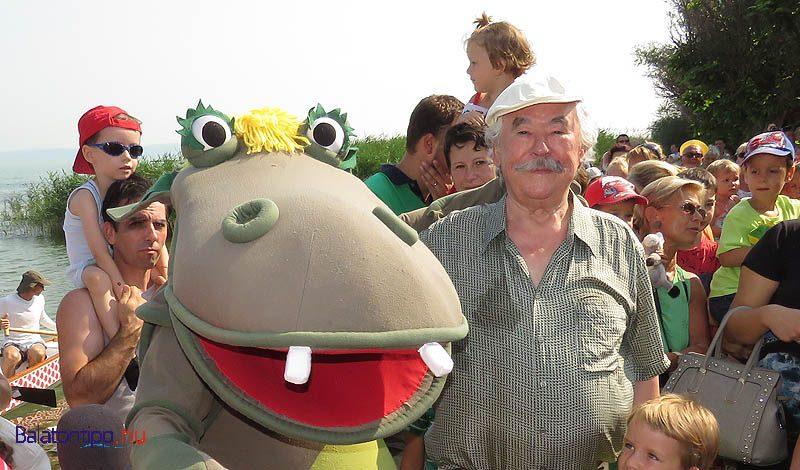 Csukás István, Pista bácsi fogadja Süsüt a gyerekekkel a parton