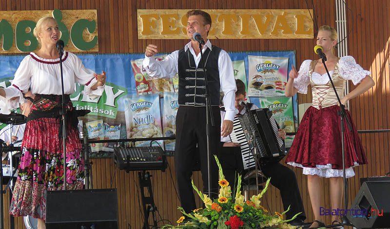 Szinpadi-musor-Balatonfuzfo-gomboc-aranykapu-fesztival-balatontipp-gyorffya