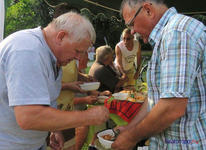 Da Bibere Borlovagrend csapatostól részt vett a fesztiválon. A harmadik díjjal jutalmazott halászlét Tóth Attila alaplével készítette, ponty- és harcsaszeleteket főzött bele