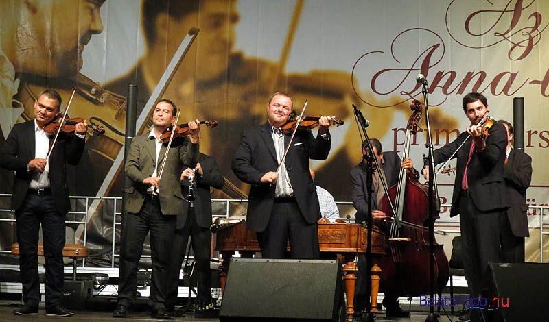 A zsűritagok is beszálltak - Lakatos Róbert (balról), Gombai Tamás és Oál István Szalonna - Fotó Győrffy Árpád
