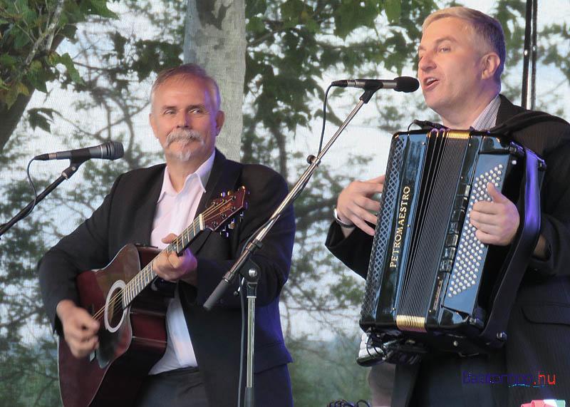 Schmidt János és Móger Péter nyitotta a pénteki műsort