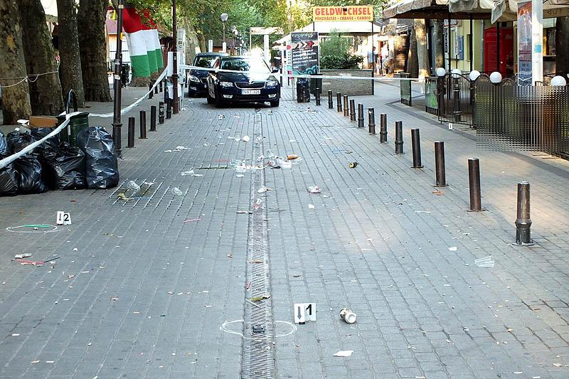 Hajnali korzó a verekedés után - fotó: SMRFK