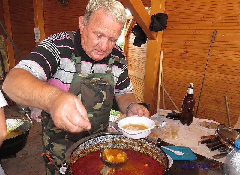 Halászlé Benedek Józsi bácsi receptje alapján