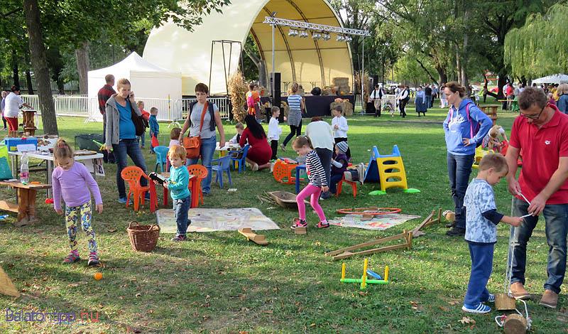 A gyerekek és a felnőttek körében is nagy sikere volt a játékoknak