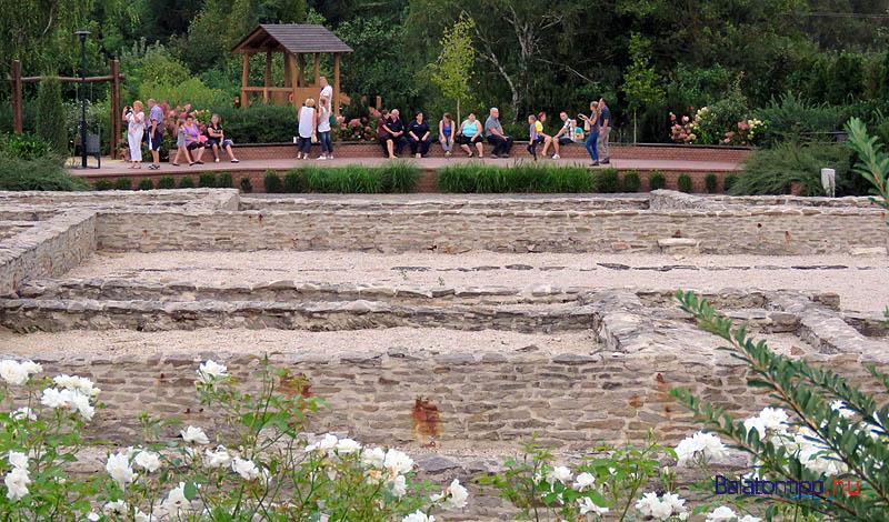 Aki egy kis csendre vágyott, körbesétálhatta a római romokat