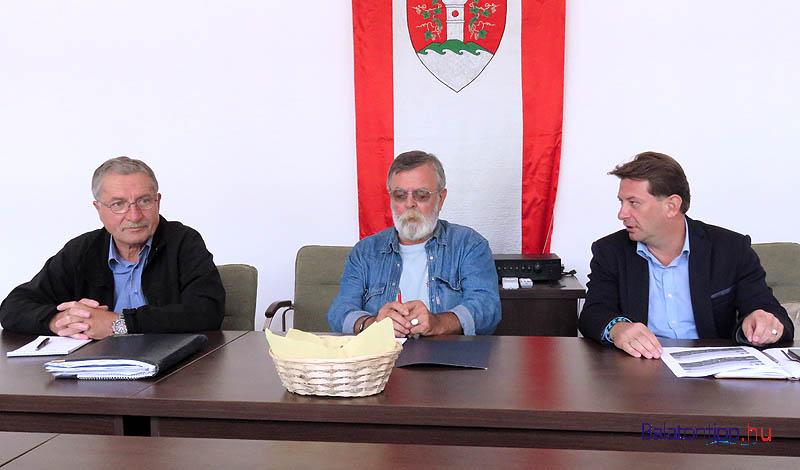 Tatai Lajos (balról), Heiter Sándor és Hebling Zsolt
