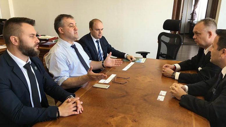 A hévízi vezetők találkozása a pjatyigorszki elöljárókkal - Jobbról a második Papp Gábor, balról Kepli József János