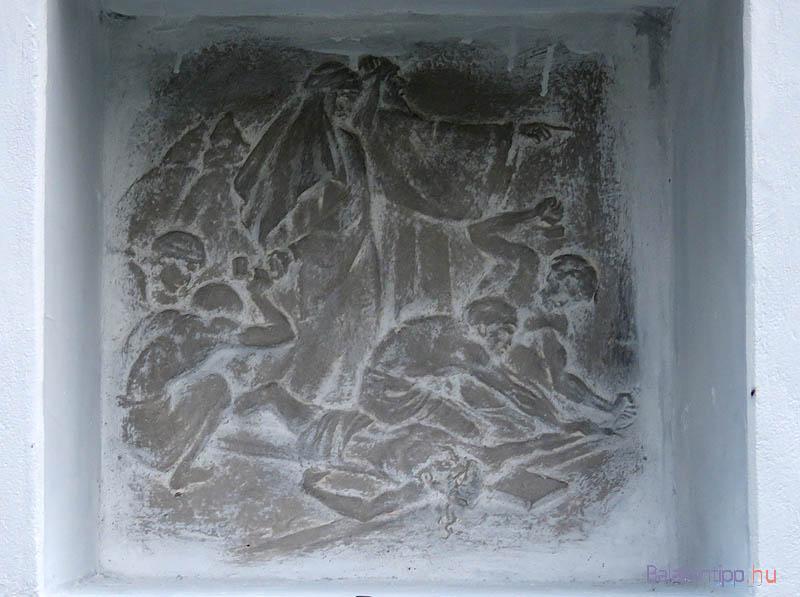 11. stáció - Jézus keresztre feszítése