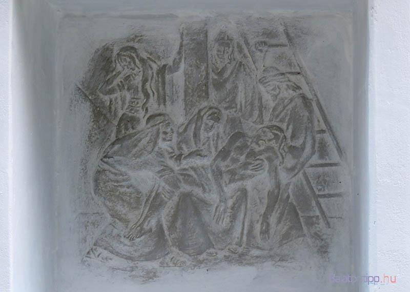 13. stáció - Jézust leveszik a keresztről
