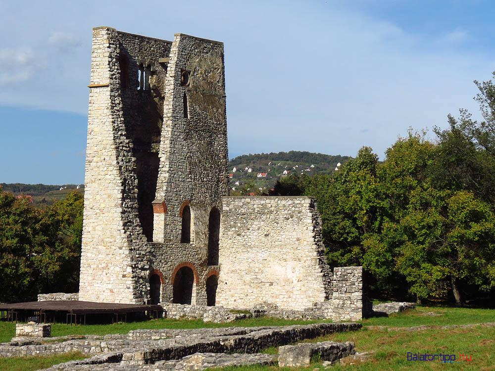 Az alsódörgicsei Boldogasszony templom romja - a 13. századból