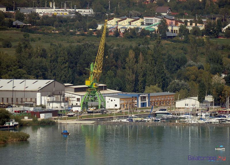 A Hajógyári kikötő daruja