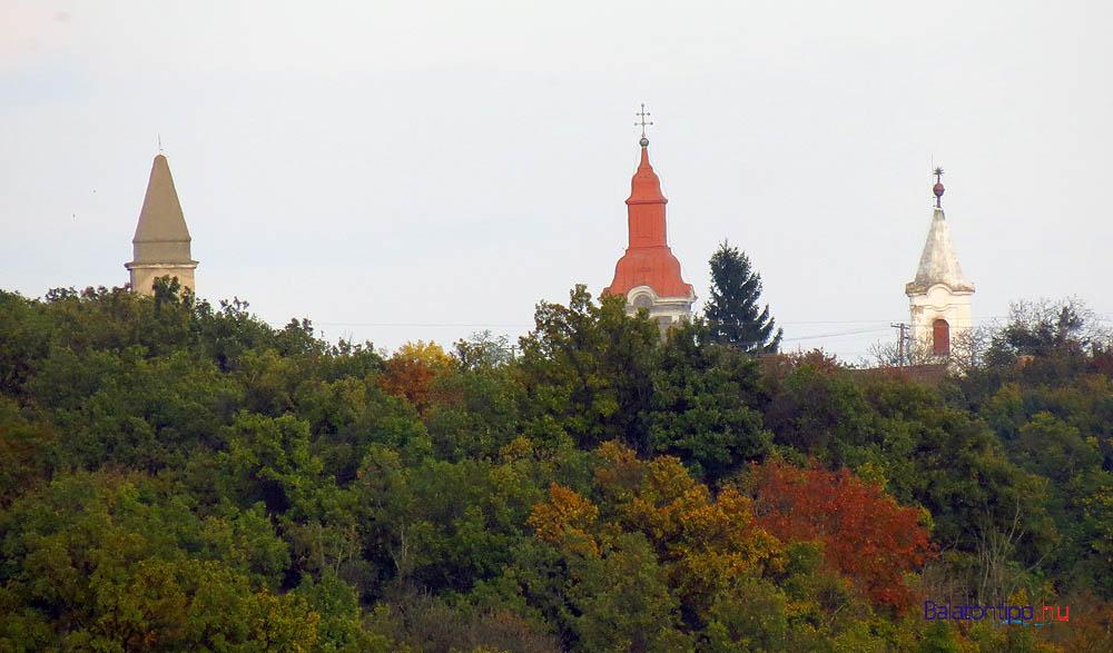 Mencshelyi templomok a szentjakabfai pincesortól
