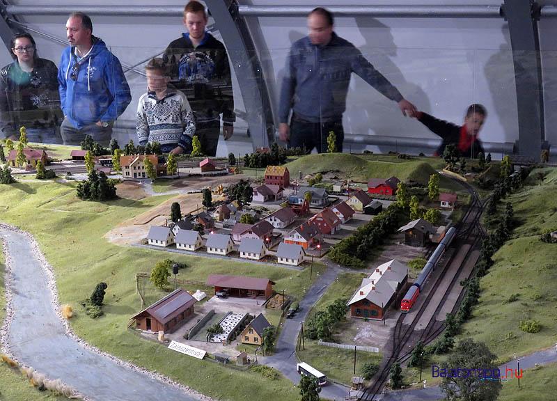 Zalaszentiván - településrészlet állomással