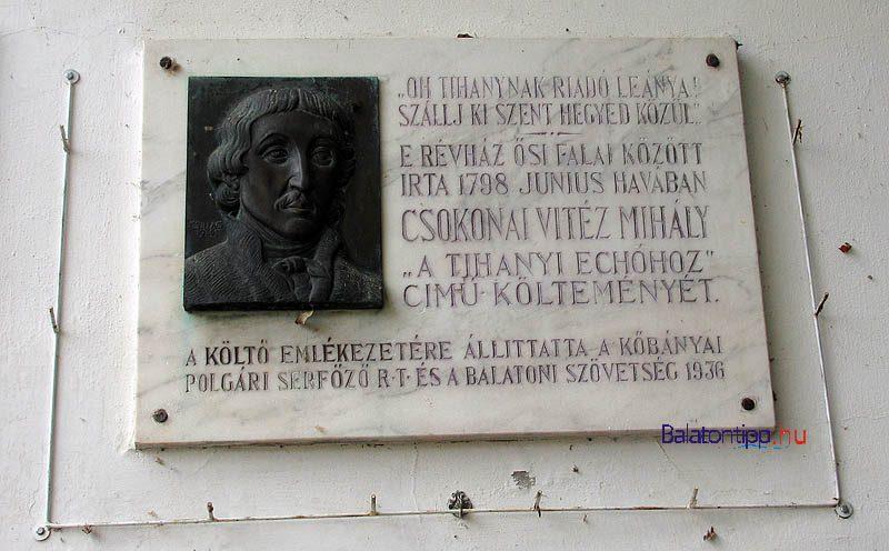 Szántód - Csokonai-emléktábla a Rév Csárda bejárata mellett - a révhez vezető út mellett