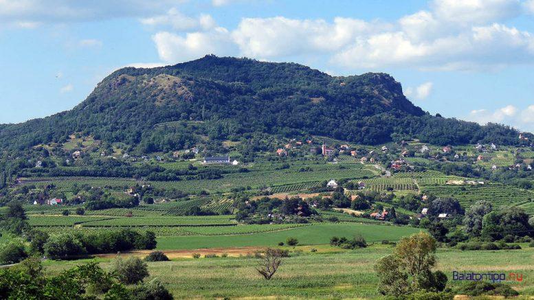 A Szent György-hegy délről a Szigliget mellett elhaladó bicikliútról 36ae88bd48