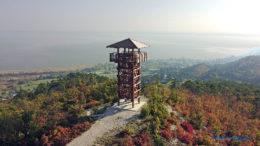 A Pap-hegyi Batsányi-kilátó északkeletről
