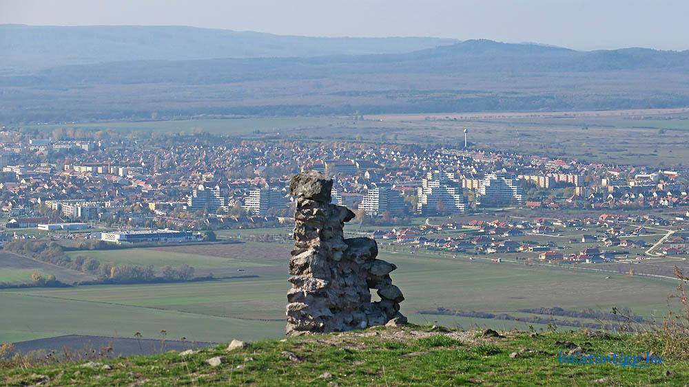 A nyugat-északnyugat irányú kilátással már nem lehetett panaszunk - A tapolcai Y-házak a Csobáncról