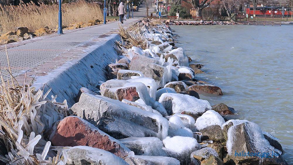 A balatongyöröki móló keleti oldala