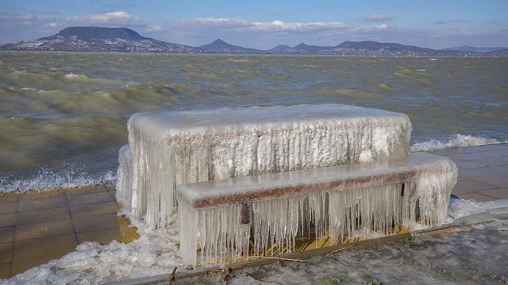 Piknikező hely saját jéggel Fonyódon-