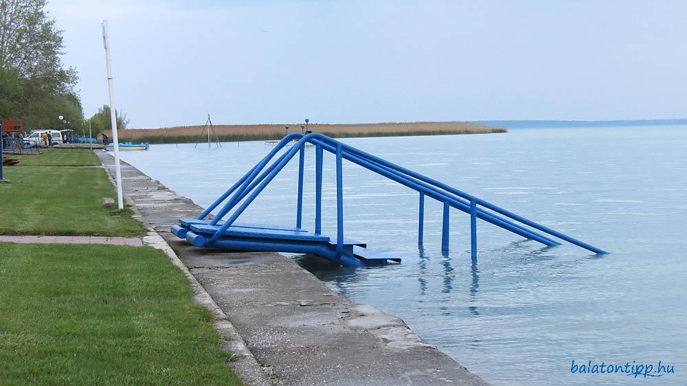 Alsóörsi strandlejáró 126 centiméteres vízállásnál