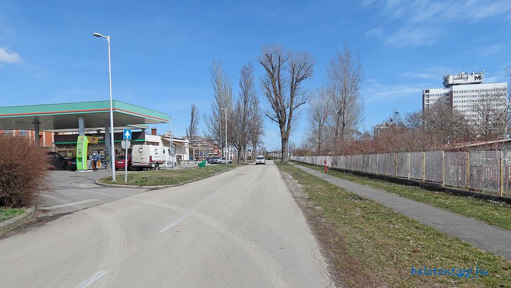 A Kékszalag sétány kemping bejárat és Széchenyi sétány közötti szakasza mai állapotban