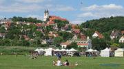 Békebeli hangulat a tihanyi Belső-tó partján egy korábbi Levendula Hetek programon - Talán az idén is ilyen lesz - Fotó: Győrffy Árpád