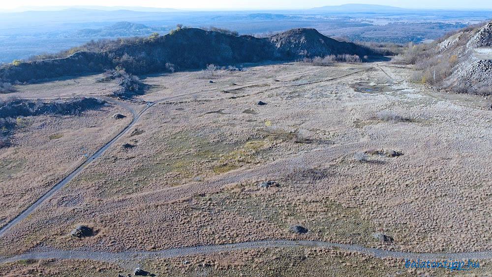 Haláp-hegy - A bányaudvar nyugati része a kilátóból
